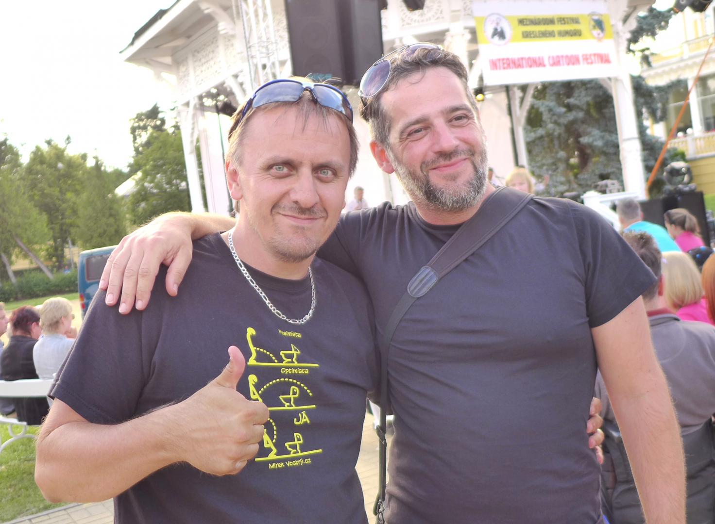 Zakladatelé Klubu kreslířů a humoristů a časopisu Tapír Mirek Vostrý a Pavel PATA Talaš